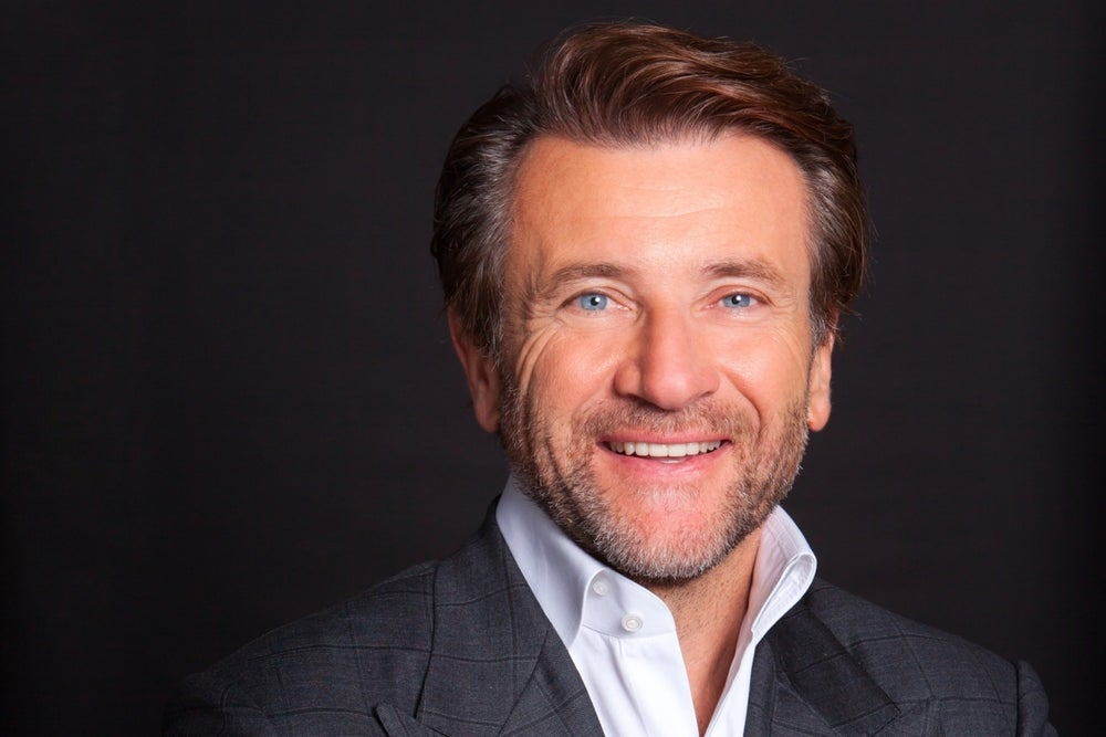 'Shark Tank' Star Robert Herjavec's Top 5 Small-Business Marketing Tips