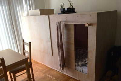 San Francisco Rent Is So Insane, This Guy Lives in a Box for $508 a Mo...