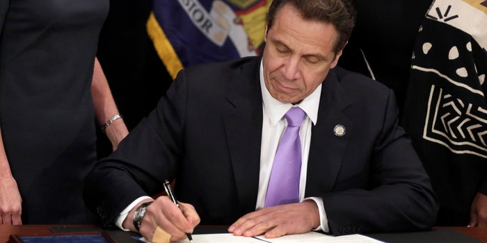 New York and California Governors Sign $15 Minimum Wage Laws