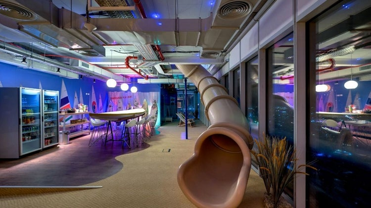 Office Slides A Draft Beer Bar Check Out These 6 Innovative And Fun Workspaces