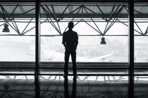 This CIA Operative's 11-Step Guide to Safe Travel