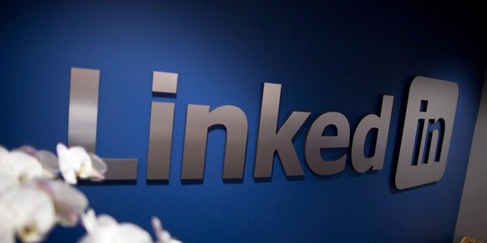 After Big Loss, LinkedIn Rebounds and Raises Revenue and Profit Forecast