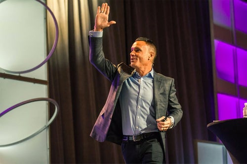 Shark Tank's Kevin Harrington Explains the 'Wow' Factor That Prompts Investors to Take Action