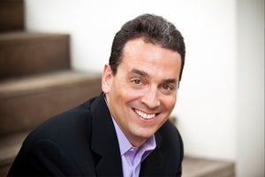 Dan Pink: You Suck at Sales Because You're a Horrible Listener
