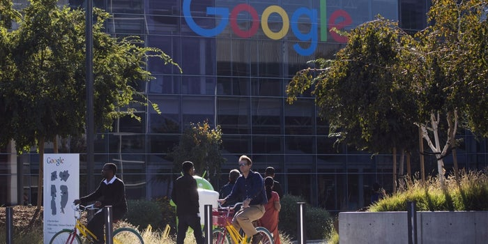 House Blocks Google-Hosted Apps, Yahoo Mail Over Security Fears
