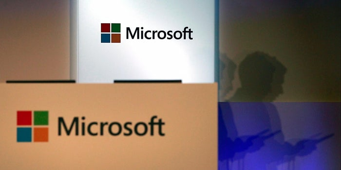 Microsoft Retreats in Smartphone Battle, Laying Off More Than a Thousand