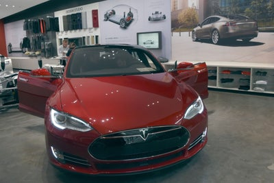 Tesla to Work Exclusively With Panasonic for Model 3 Battery