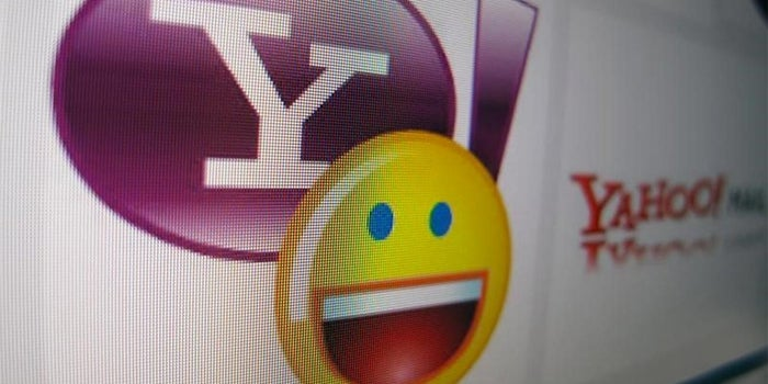 AT&T Seeks to Top Verizon's Bid for Yahoo