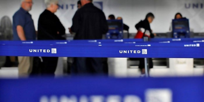 United Expects $3.1 Billion a Year From No-frills Airfare, Fewer Delays