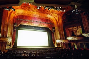 Scientists Create Glasses-Free 3-D for the Movie Theater
