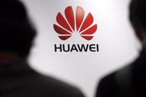 Huawei's Global Smartphone Shipments Jump in First Half