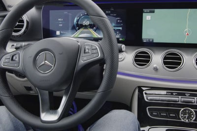 Mercedes Pulls U.S. Ad Touting Self-Driving Car