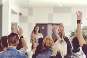 How to Market Yourself as a Speaker