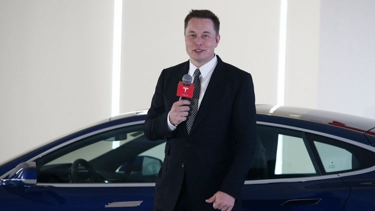 Every Entrepreneur Can Learn From These 5 Leadership Traits of Elon Musk