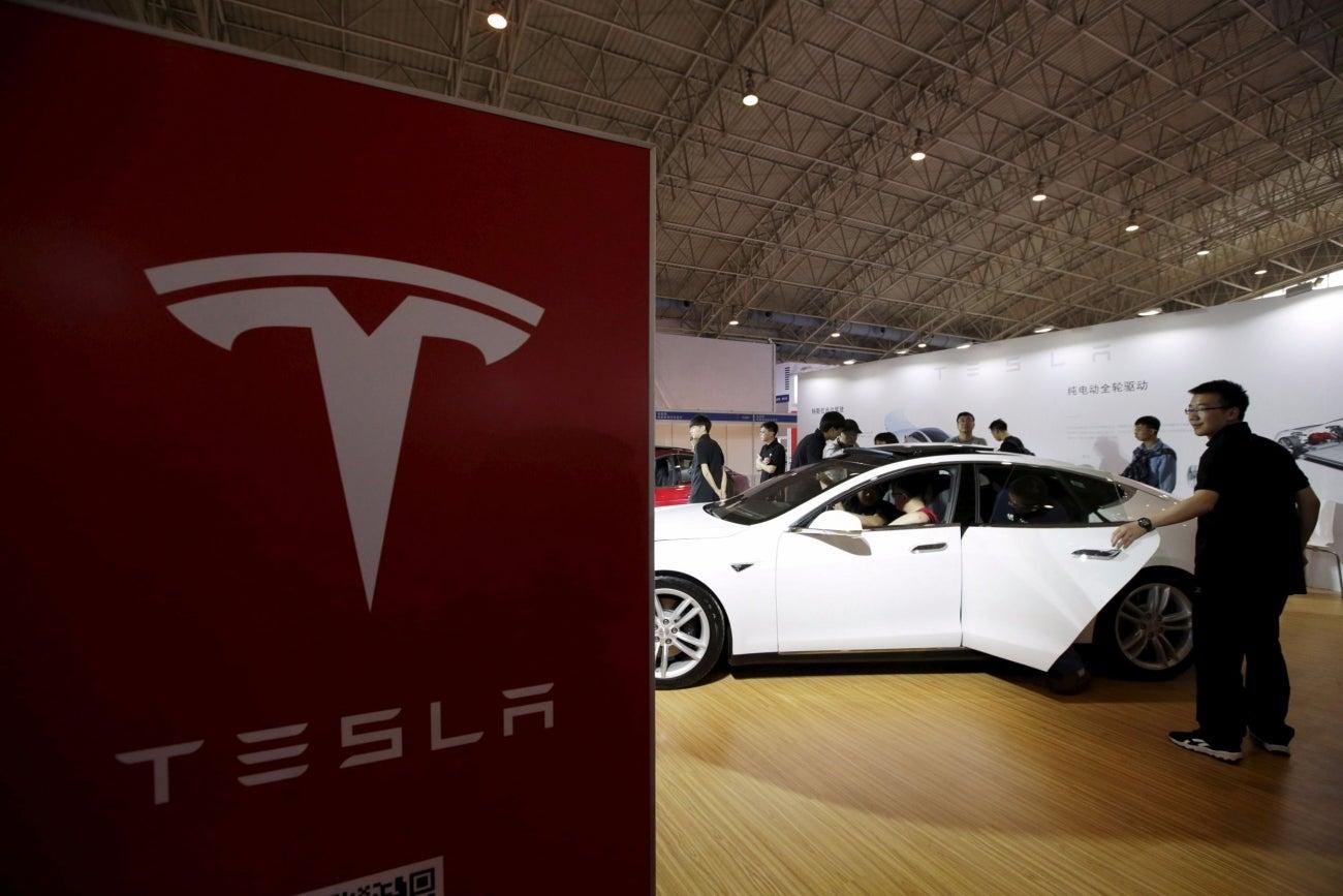 Tesla Wins U S Antitrust Approval To Buy Solarcity