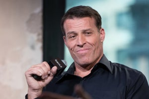 12 Lessons Tony Robbins Taught Me About Entrepreneurship