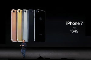 Apple Unveils iPhone 7, and Nintendo's Mario Makes the Jump to Smartphones