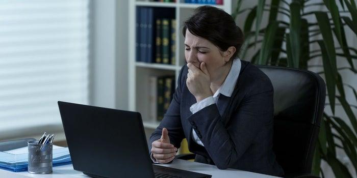 Los 6 riesgos de estar sentado 8 horas en el trabajo