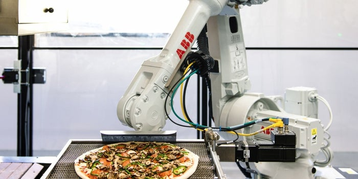 This Startup Employs Robots That Bake Pizza En Route for Delivery