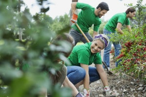 The Power of Giving Back: How Community Involvement Can Boost Your Bottom Line