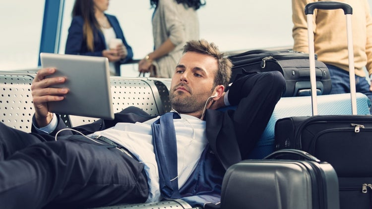 7 Ways to Stay Productive While You're Traveling