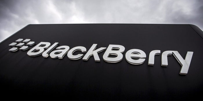 In a First With an Automaker, BlackBerry Signs Software Deal With Ford