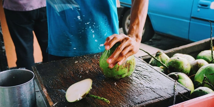 6 Priceless Lessons Learned From a Coconut Vendor in Maui