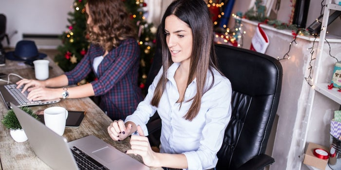 Bonuses, Parties and Gifts: How Small Business Owners Can Navigate the Holiday Season