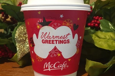 A Guy Just Totally Ruined McDonald's Holiday Cups With a Simple Drawin...