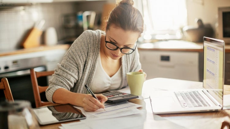 6 Bootstrapping Secrets for Building a Successful Business on a Shoestring Budget