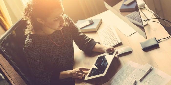 Cómo iniciar tu propio negocio y tener independencia laboral