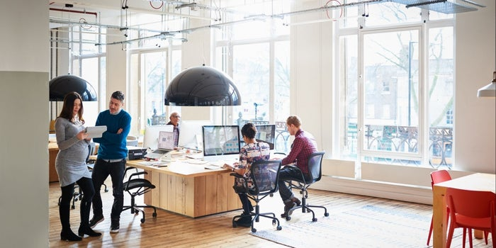 15 Modern Office Furniture and Layout Trends (Infographic)