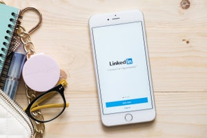 5 Ways to Increase Your Visibility on LinkedIn