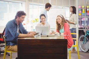 Why Every College Student Should Intern at a Startup Instead of a Large Corporation