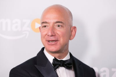 Jeff Bezos Wants to Create a Delivery Service for the Moon