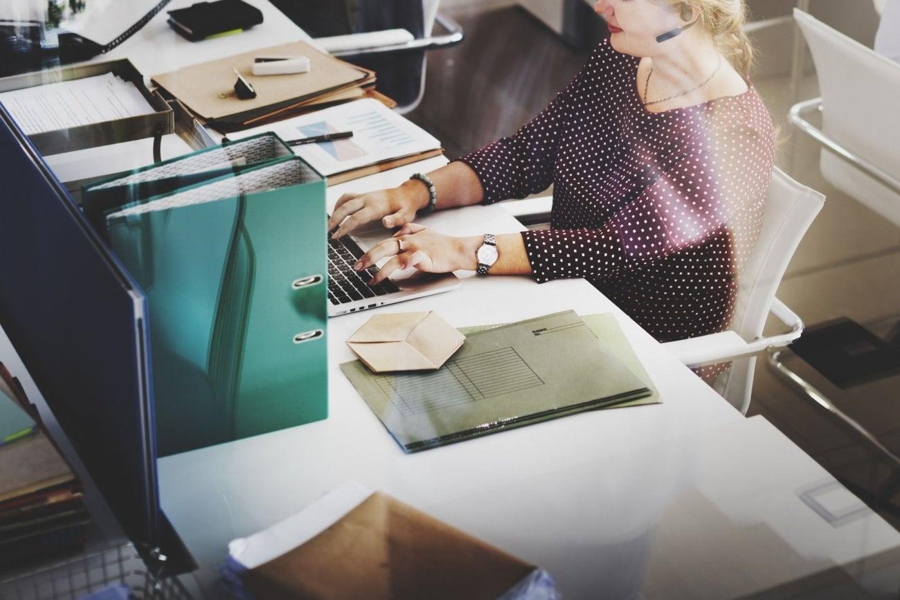 jobs news topics 5 reasons you should keep your day job