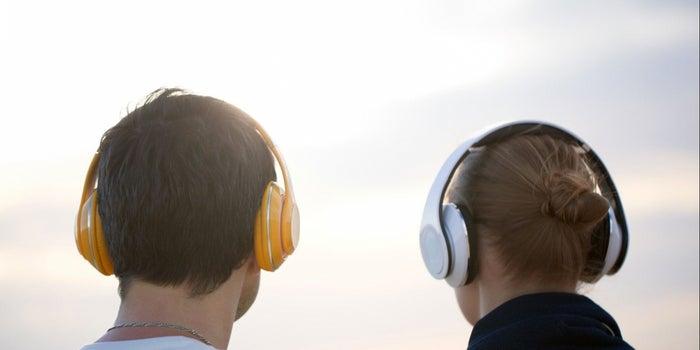 Exploding Earphones Burned a Plane Passenger's Face