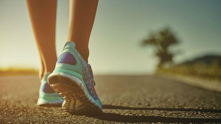 ¿Qué tenis debo elegir para correr con mayor comodidad?