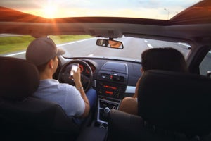 Study: Drivers Use Their Phones During 88 Percent of Trips