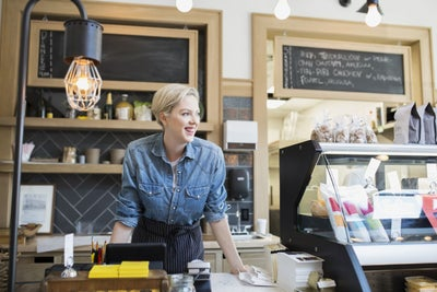 How a Brick-and-Mortar Store Can Be the Foundation of Ecommerce Succes...