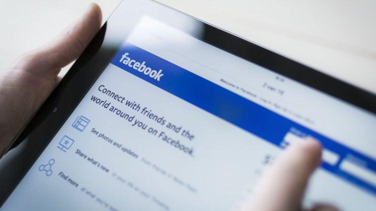 Tras asesinato en vivo, Facebook contratará 3 mil personas para revisar videos