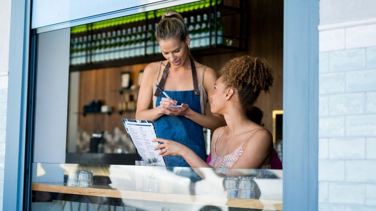 4 Lessons Every Executive Can Learn from Hourly Workers