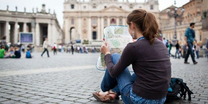 Con estas páginas podrás ganar dinero mientras viajas