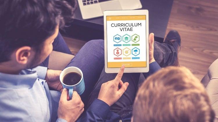 El peor error: Confiar en un currículum