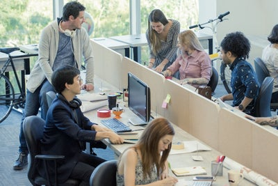 4 Ways Co-Working Spaces Inspire Innovation and Collaboration