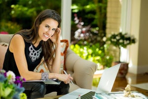 This Founder Shares How She Was Able to Bootstrap Her Way to Success While Giving Back