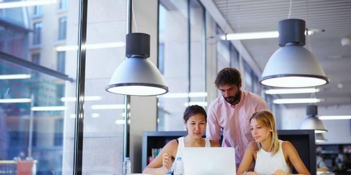 ¿Trabajar en casa o en un coworking? Estas preguntas te ayudarán a saberlo