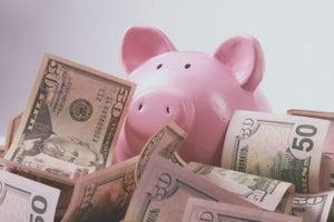 Estas son las tres cosas en las que debes de invertir tus ahorros