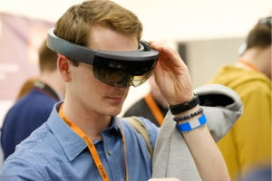 Apple Acquires Company Building Eye-Tracking Glasses