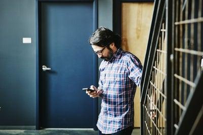 6 Strategies to Keep Your Solopreneur Endeavor in the Black